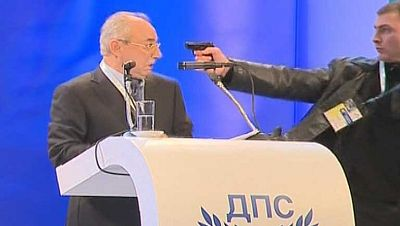 Atentado fallido contra un veterano líder político de Bulgaria