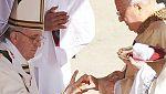 El papa Francisco inaugura su pontificado y dice que su poder es servir a los pobres