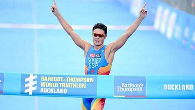 Gómez Noya inicia con triunfo las series mundiales de triatlón