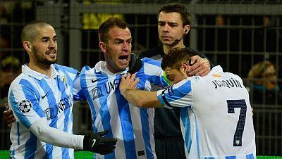 El jugador del Málaga Joaquín ha adelantado a su equipo en el minuto 24 de juego, tras una jugada de combinación del equipo andaluz (0-1).
