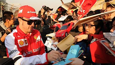 Fernando Alonso, a remontar en China