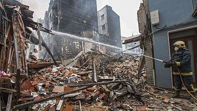 El grave incendio en Bermeo, Vizcaya, deja sin hogar a setenta personas