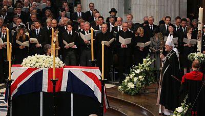 Miles de londinenses despiden a Margaret Thatcher