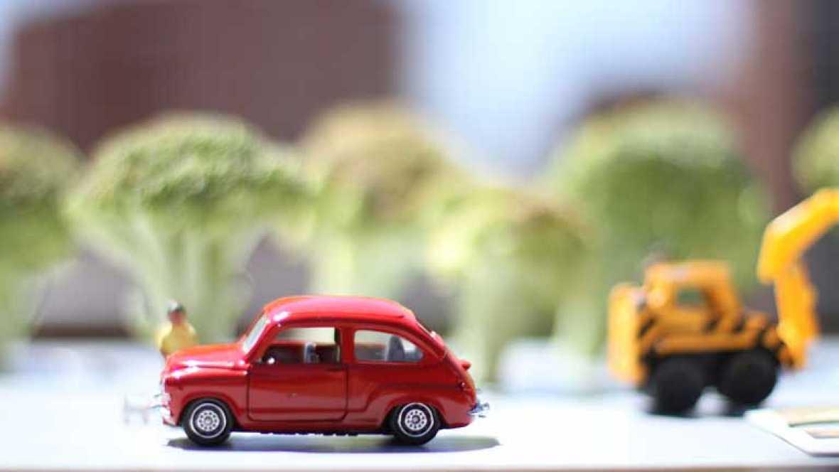 Envíanos la foto del coche de tu vida y gana tres packs exclusivos de `Cuéntame¿