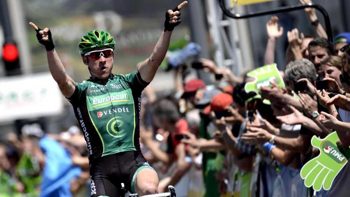 El francés Thomas Voeckler (Europcar) fue el más rápido en un esprint entre cuatro corredores y se impuso por delante del español José Herrada (Movistar) en la sexta etapa del Dauphiné disputada entre La Lechere y Grenoble, de 141,5 kilómetros, en la