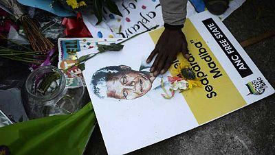 Sudáfrica pendiente del estado de Mandela