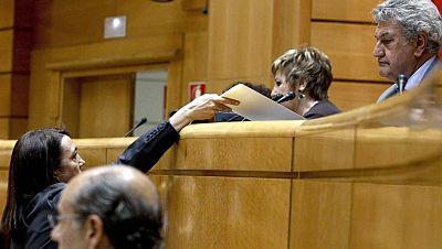 En el Congreso, el debate político se centra en la posible moción de censura anunciada por Rubalcaba