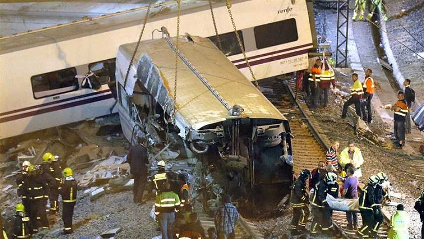 Al menos 77 muertos en el accidente de un Alvia en Santiago