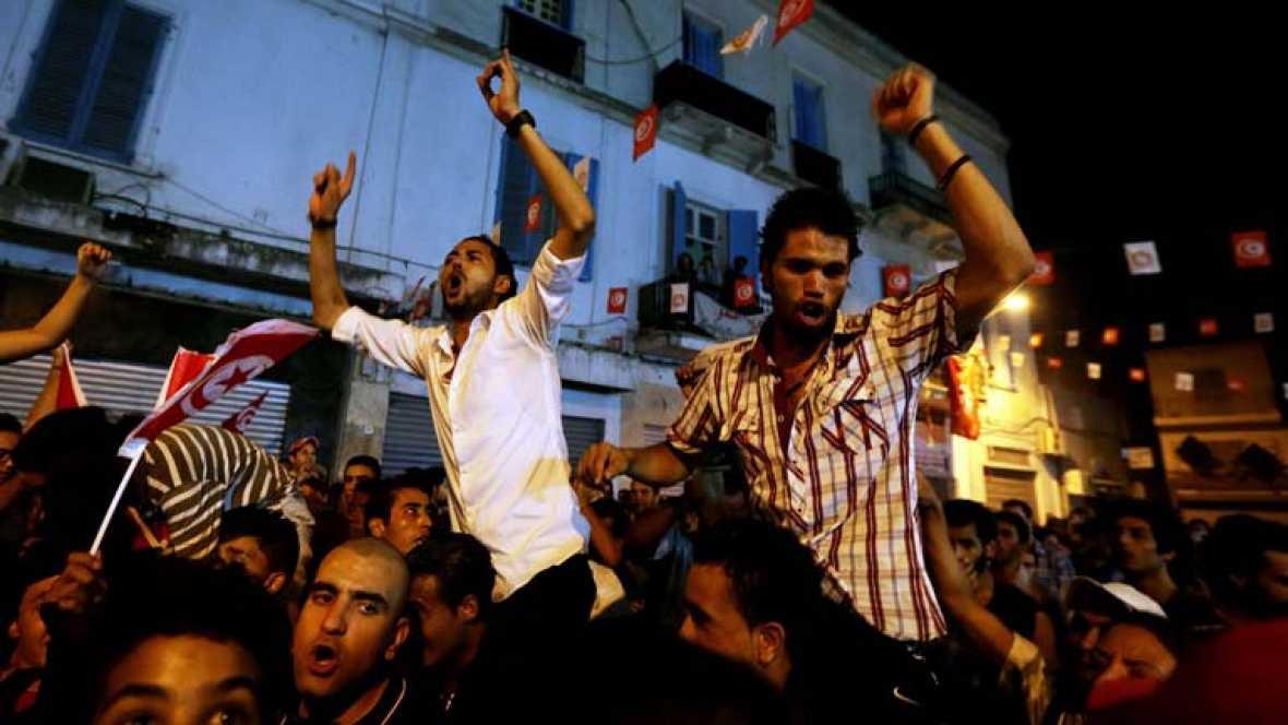El asesinato a tiros de Mohamed Brahmi conmociona a Túnez