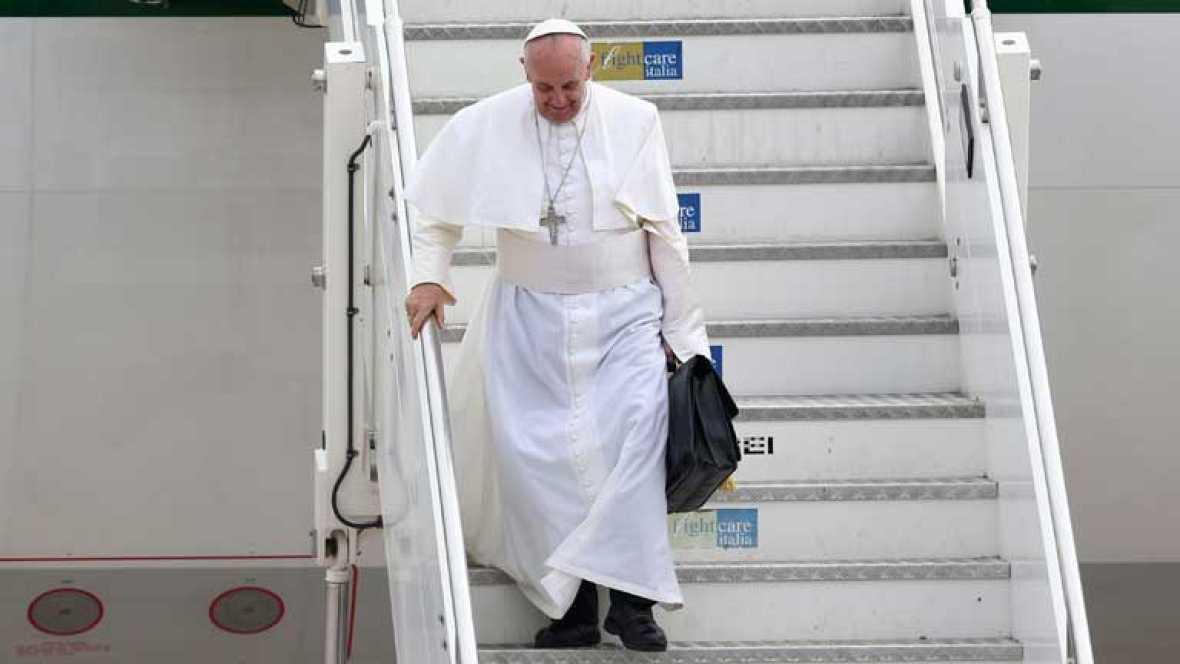 El Papa se pregunta, quién es él para criticar a una persona gay, si esta tiene buena voluntad