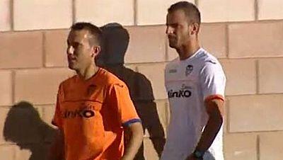 El 'culebrón Soldado' podría estar muy cerca de su final. El delantero del Valencia podría ser traspasado en breve al Tottenham, que deberá pagar la clausula de 30 millones del internacional español.