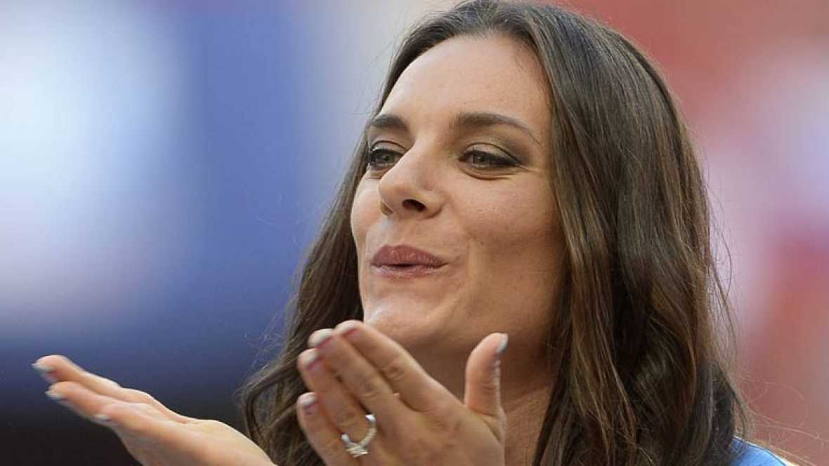 La flamante campeona del mundo de pértiga, la rusa Isinbayeva se ha metido en un buen lío con sus polémicas declaraciones a favor de las leyes rusas contra los homosexuales, unas leyes que han provocado incluso llamamientos a boicotear los Juegos Olí