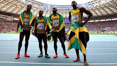 Usain Bolt completó su triplete en Moscú al conseguir, como miembro del relevo jamaicano de 4x100, su décima medalla de oro en campeonatos del mundo, una hazaña que le convierte en el atleta más laureado de la historia, superando al estadounidense Ca