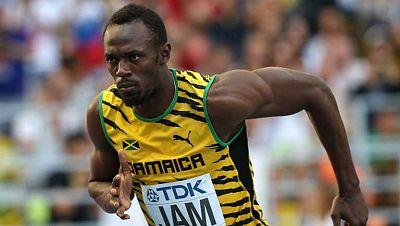 """Hace 5 años Usain Bolt ganó su primera medalla de oro en los 100 metros en los Juegos de Pekín. Después llegarían la de los 200 y el relevo 4x100. Su segundo triplete y sus 2 récords del mundo le convirtieron en """"relámpago"""" en Berlín. Los 3 oros olím"""