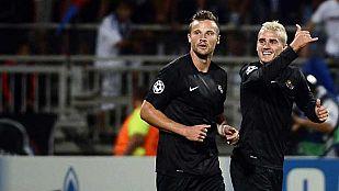 La Real Sociedad pone un pie en Champions con dos golazos ante el Olympique de Lyon