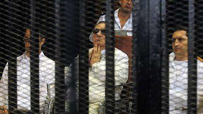 Se aplaza el juicio de Hosni Mubarak