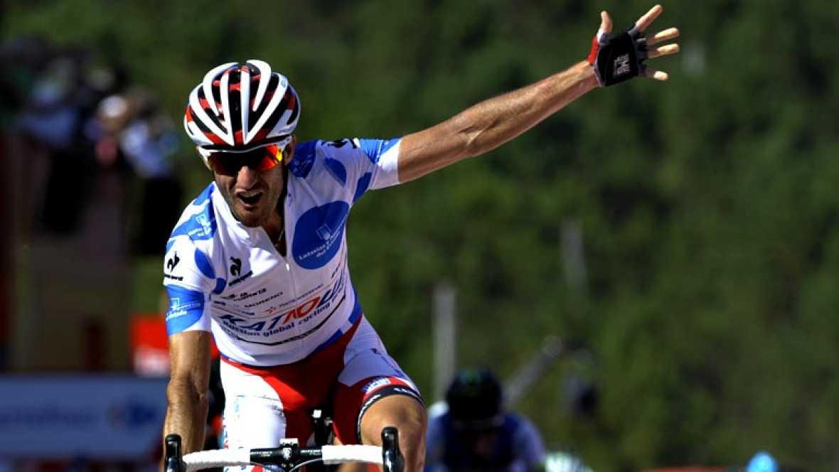 """El español Dani Moreno (Katusha) ha sido el ganador de la cuarta etapa de la Vuelta, disputada entre Lalín y Fisterra, de 189 kilómetros, en la que el italiano Vincenzo Nibali recuperó el maillot rojo de líder. Moreno conquistó el """"Fin del mundo"""" (Fi"""