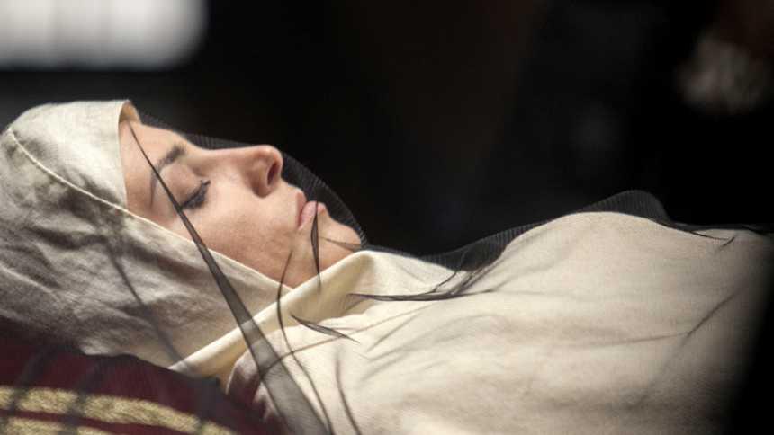 Isabel - Muere Juana de Avis