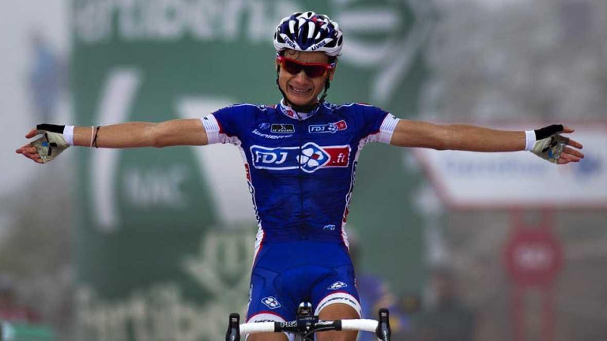 Vuelve a ver la subida íntegra al mítico coloso asturiano que ha dejado sentenciada la Vuelta en favor de Chris Horner.