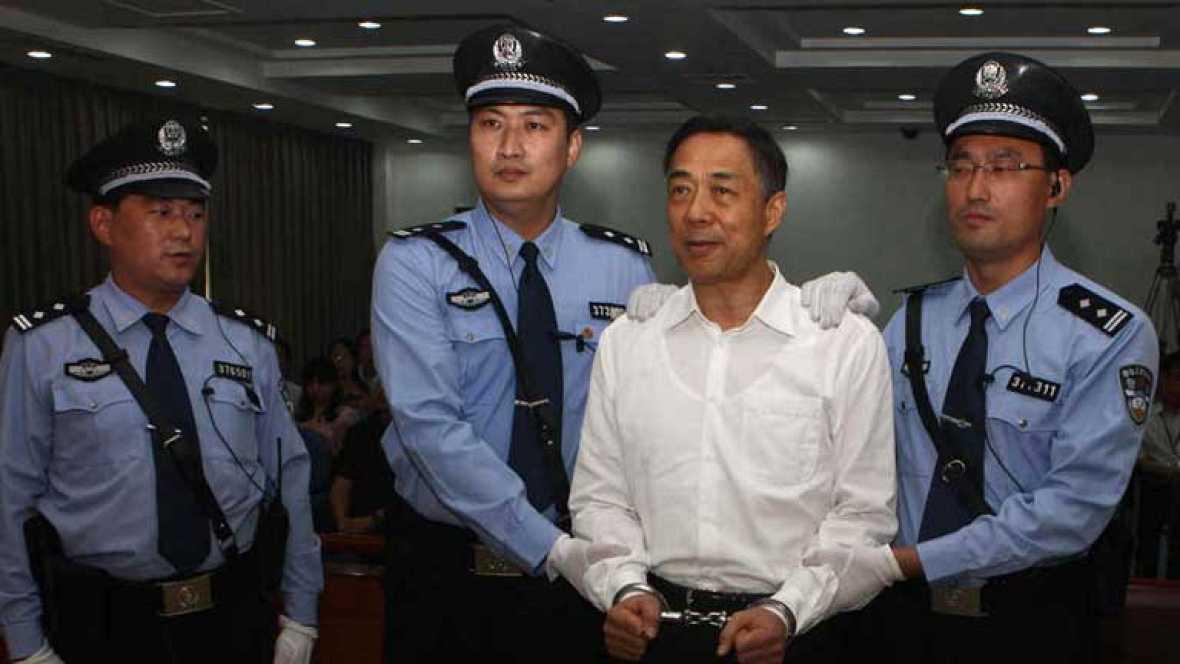 Cadena perpetua para el exdirigente chino Bo Xilai,