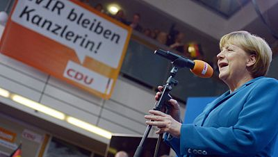 Rajoy felicita a Ángela Merkel por su histórica victoria