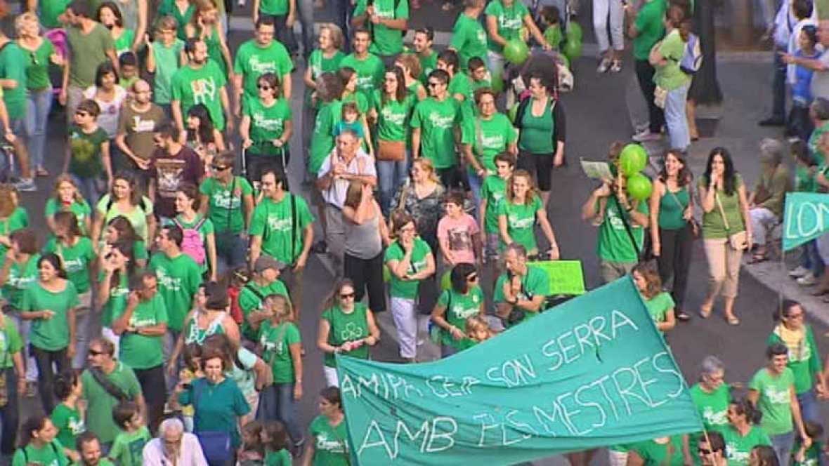 Miles de personas salen a la calle en Mallorca en defensa de la educación