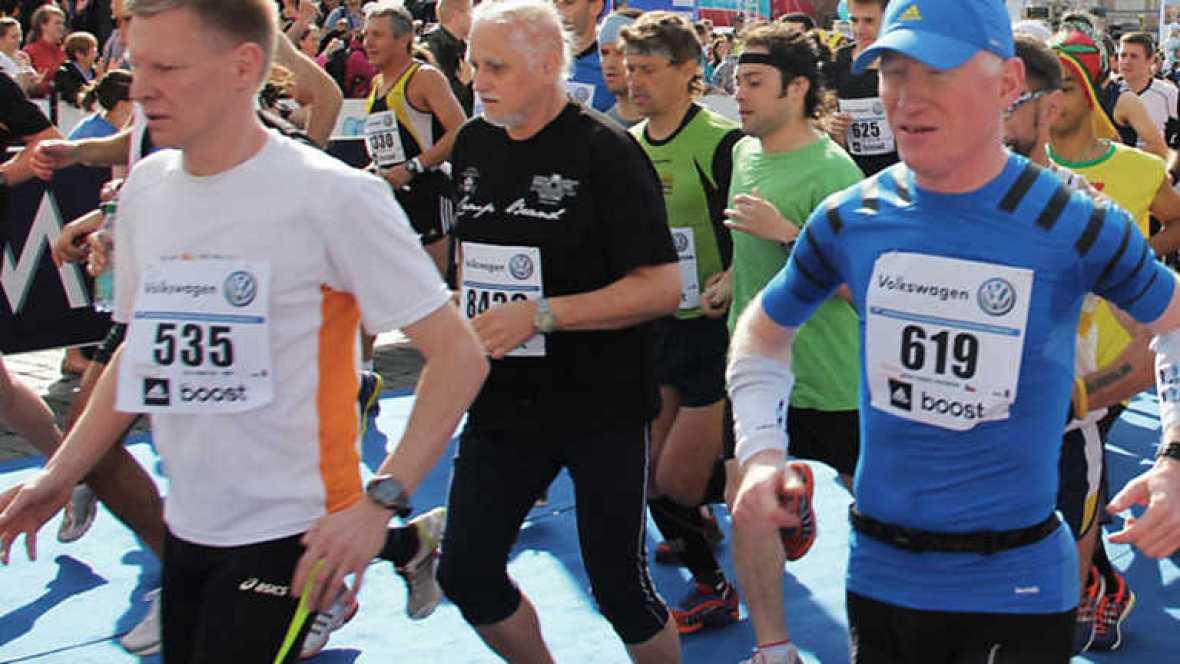 A la carrera - Maratón internacional de Praga - ver ahora