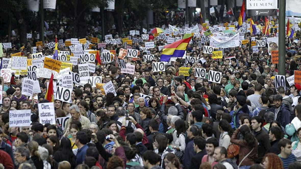 Miles de personas piden la retirada de la ley Wert como colofón a la huelga educativa