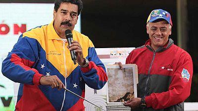 Nicolás Maduro afirma que el rostro del fallecido Hugo Chávez ha aparecido en una pared del metro de Caracas