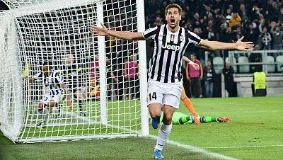El jugador español de la Juventus de Turín Fernando Llorente ha marcado de cabeza el 2-2 en el minuto 64 de juego, estableciendo el resultado definitivo ante el Real Madrid.