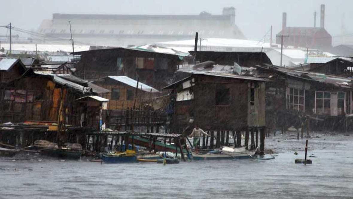 Vietnam se prepara para recibir a Yolanda, un tifón que ha dejado consecuencias devastadoras en Filipinas