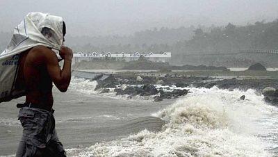 """El tifón """"Yolanda"""" ha pasado por Filipinas con efectos devastadores"""