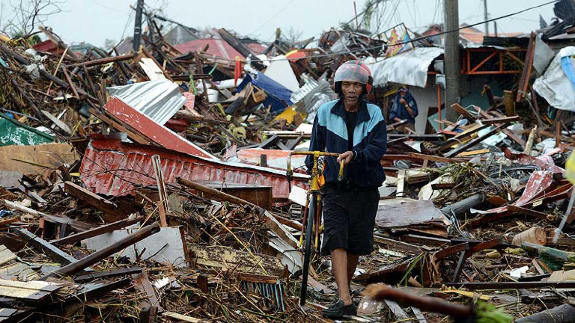 Cuatro millones y medio de personas sufren los efectos del tifón en Filipinas