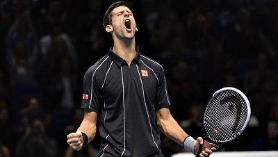 El español Rafael Nadal dejó escapar hoy por segunda vez en su carrera la final de la Copa de Maestros al perder en Londres ante el serbio Novak Djokovic por 6-3 y 6-4, en una hora y 36 minutos. El número uno del mundo ya cayó hace tres años, ante el