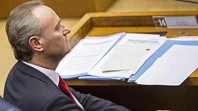 Fabra y la oposición se culpan mutuamente del cierre de RTVV