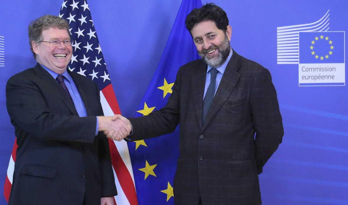 La Unión Europea y Estados Unidos alcanzan un acuerdo para mejorar sus intercambios comerciales, reducir aranceles y aumentar las importaciones y las exportaciones.