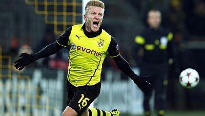 El Borussia Dortmund derrotó 3-1 al Nápoles, al que deja en una posición complicada de cara a la clasificación para octavos de final de la Champions League. Por su parte, el Arsenal tumbó al Olympique de Marsella y el Chelsea cayó de nuevo ante el Ba