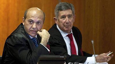 El Tribunal Supremo ha reducido a siete años de cárcel la condena al abogado y presidente del Sevilla, José María del Nido,  y al exalcalde de Marbella, Julián Muñoz, en el llamado caso Minutas, relativo a corrupción en Marbella.