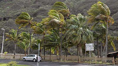 La Palma, la isla más afectada por el temporal, sufre un corte general de luz