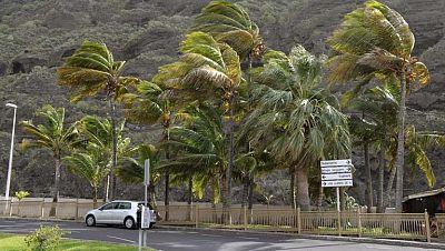 Cierre de colegios e instituciones oficiales en Canarias por el temporal