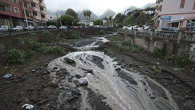 Carreteras cortadas en Tenerife debido al temporal