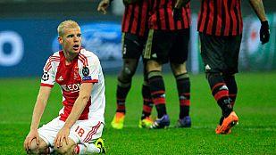 El Milan resiste en inferioridad y apea al Ajax de octavos