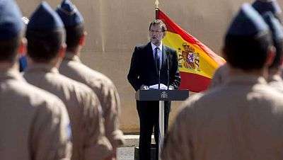 Mariano Rajoy visita a los soldados españoles en África