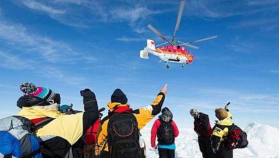 Rescatados todos los pasajeros atrapados durante casi diez días en la Antártida