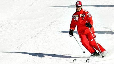 """El excampeón de Fórmula Uno Michael Schumacher esquiaba a una velocidad """"normal"""" pero lo hacía fuera de unas pistas que estaban bien balizadas, cuando sufrió el pasado 29 de diciembre el accidente que lo mantiene en estado crítico, según la versión d"""