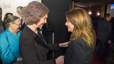 La reina amadrina el prestreno de 'Vicente Ferrer' en Madrid