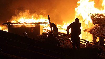 Un gran incendio destruye cientos de casas de una localidad del sur de China