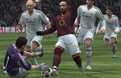 Pro Evolution Soccer, fútbol de sillón