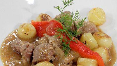 Caldereta de cordero con majado y patatas