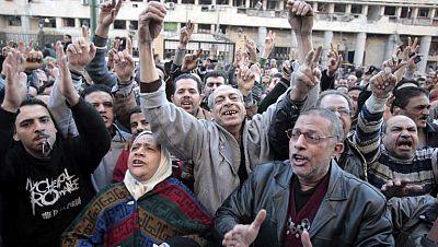 Al menos 29 muertos empañan el tercer aniversario de la caída de Hosni Mubarak